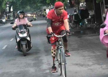 Sugeng Kaki Palsu, Hampir Tiap Hari Lahap Rute 10 KM Dengan Bersepeda